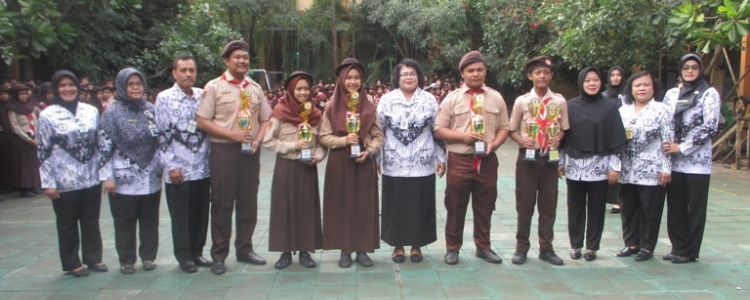 Upacara Hari Guru Nasional (HGN) dan Persatuan Guru Republik Indonesia (PGRI)